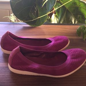 Pink Cole Haan flats!